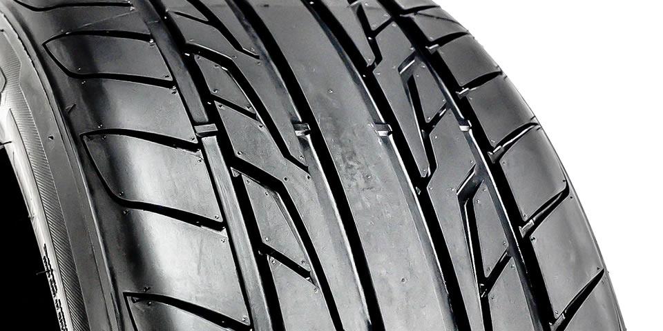 detalhe do pneu
